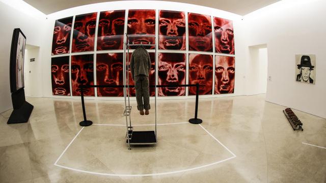 Per_formare una collezione: the show must go on